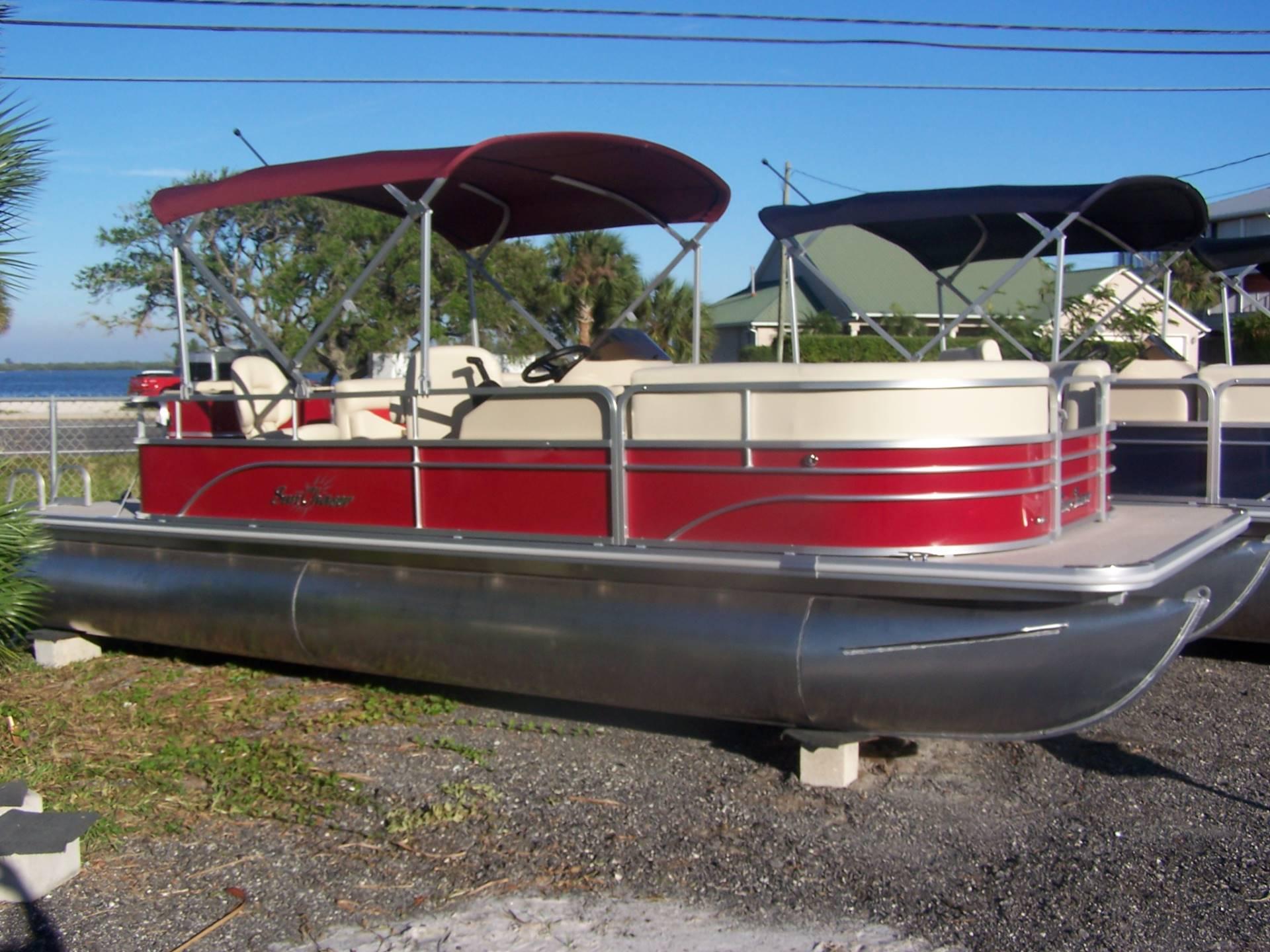 Sunchaser Classic 8522 Cruise & Fish