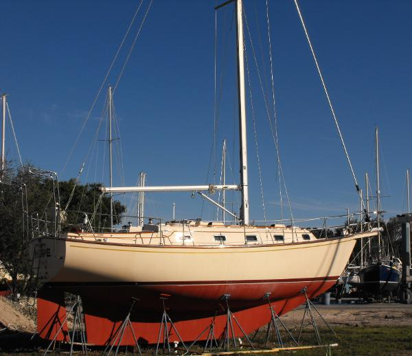 Island Packet IP 35 Hull
