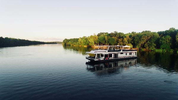 Sumerset Houseboat