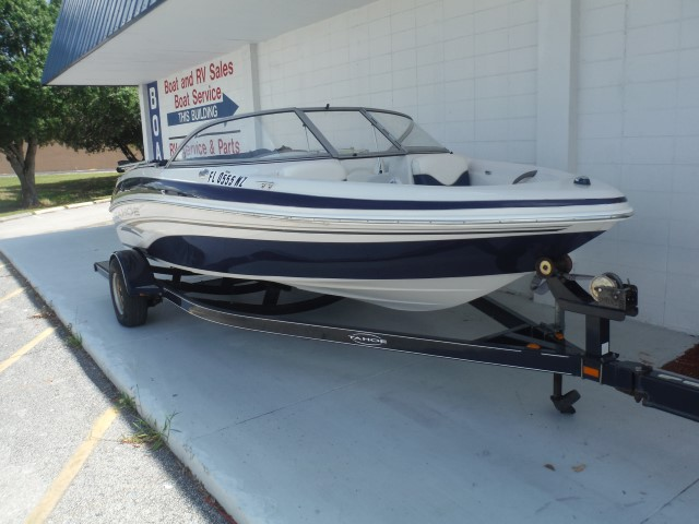 TAHOE BOATS Q4S Runabout