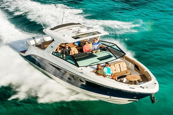 Sea Ray SLX 400 Outboard Manufacturer Provided Image
