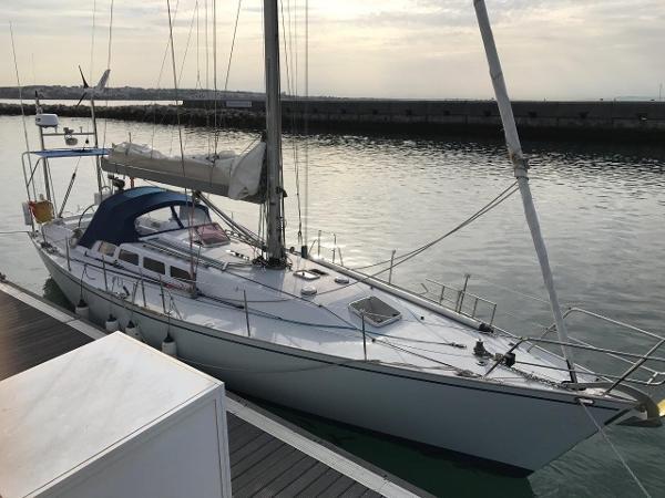 Laurent Giles 43' light displacement cruiser Laurent Giles 43' light displacement cruiser