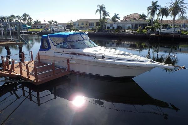 Sea Ray 310 Express Cruiser Viewing in Gulf Harbors