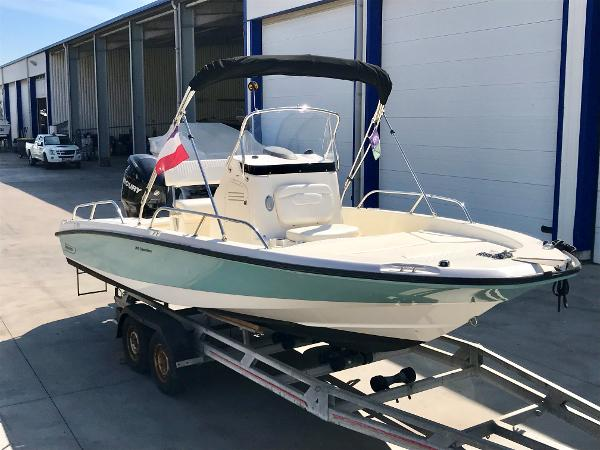 Boston Whaler 200 Dauntless BOSTON WHALER 200 DAUNTLESS