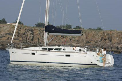 Jeanneau Sun Odyssey 42i Manufacturer Provided Image: Photo 2