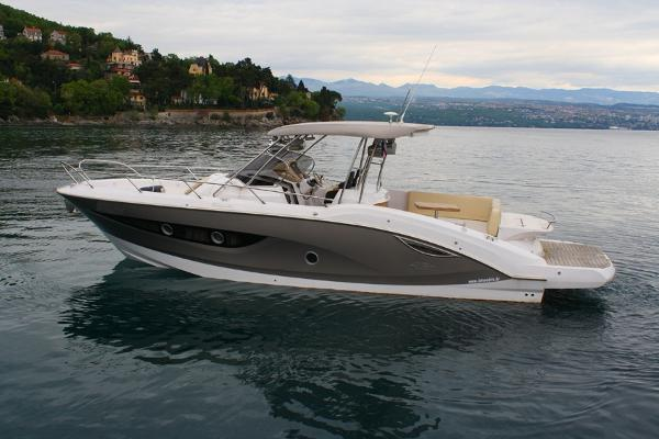 Sessa Marine Key Largo 34 Inboard