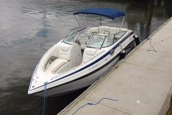 Crownline 270 BR akin to Sea Ray SLX