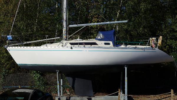 Beneteau First 32.5 Beneteau First 32