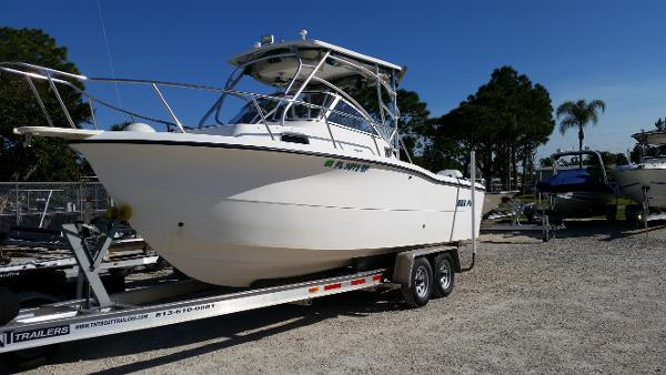 Sea Pro 26 Walk Around