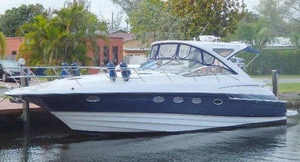Regal 4460 Sport Yacht Port Profile