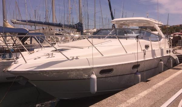 Sealine S43 Sealine S43 - On berth in Antibes