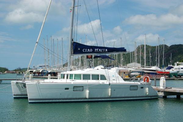 Lagoon 440 (4C/2S/4H/AC) 'Ciao Italia' Lagoon 440 docked