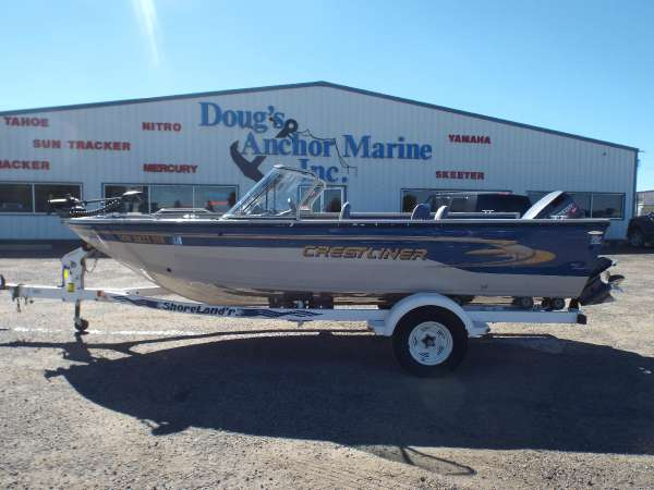 Crestliner sport new and used boats for sale for Used fishing boats for sale in iowa