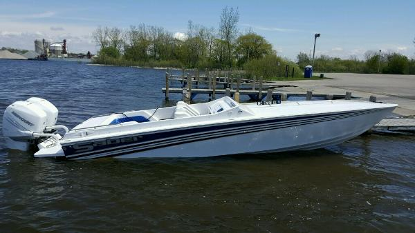Saber 28 Outboard
