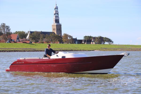 Evo Yachts Van Vossen Tendra Evo 850