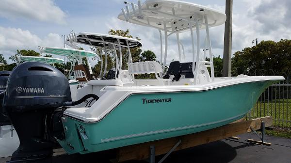 Tidewater Boats 220 CC Adventure