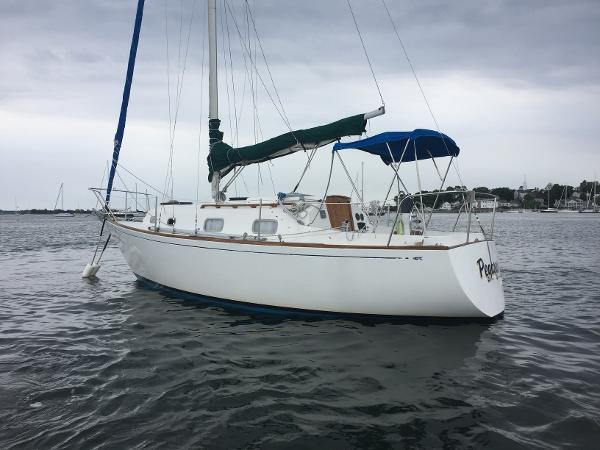 Bristol 27.7 Sloop Port Stern