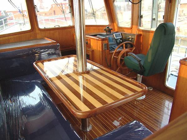 Pilothouse fwd stbd