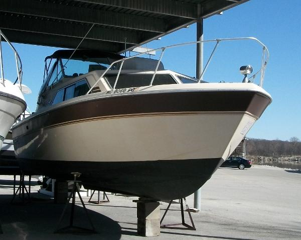1982 Chris Craft 281 Express With Twin V8 Inboards