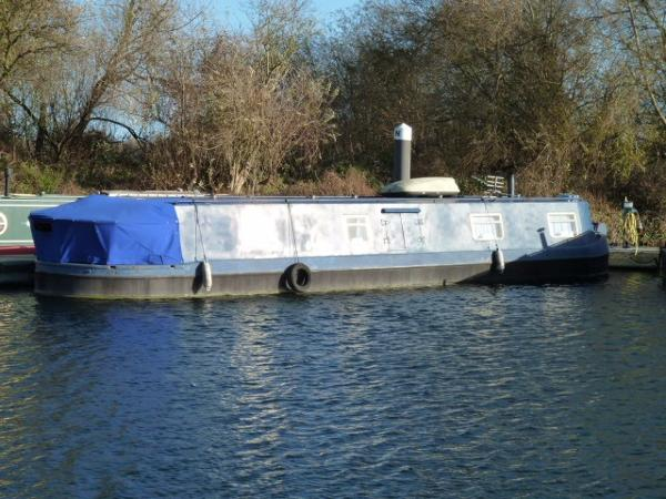 Houseboat 50' Widebeam