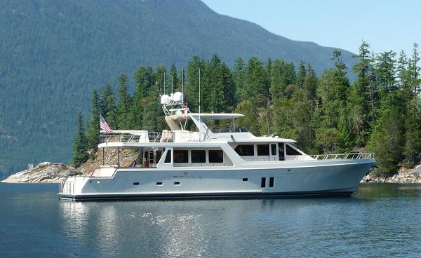 Offshore Yachts Pilothouse CAPTIVA EXTERIOR