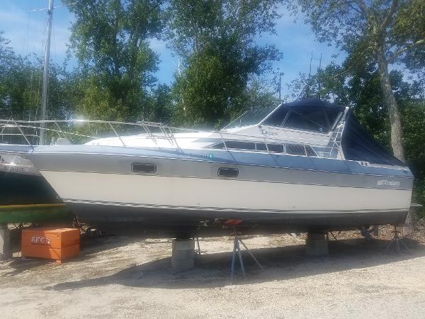 Cruisers International 2970