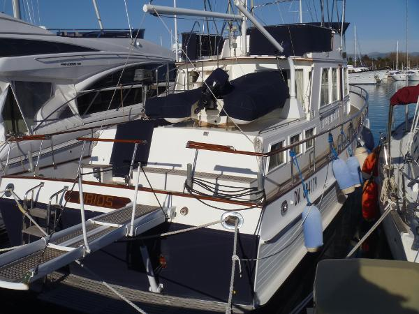 Grand Banks 49 Classic All bright work has fitted covers