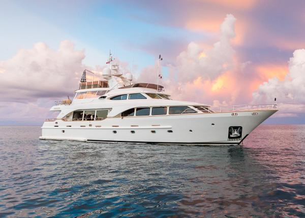 Benetti Tradition  100 Main Profile