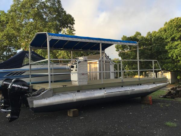 COMMERCIAL PONTOON PONTOON 30