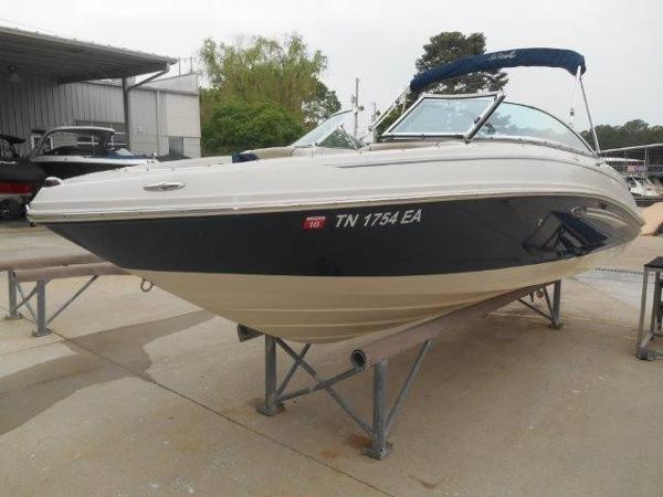 Sea Ray 210 Select Profile
