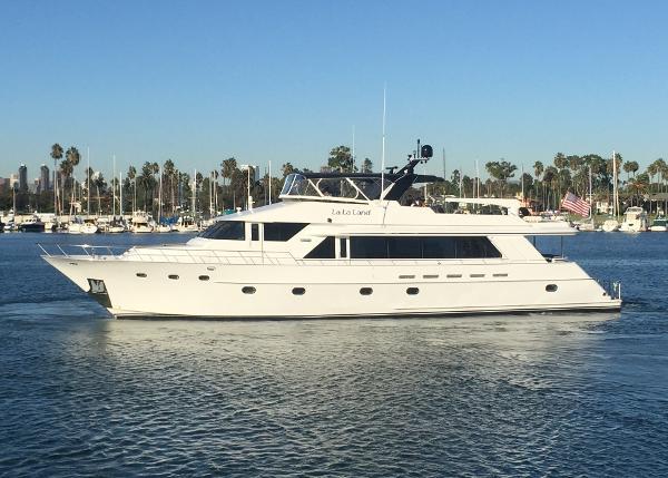 Crescent Motoryacht
