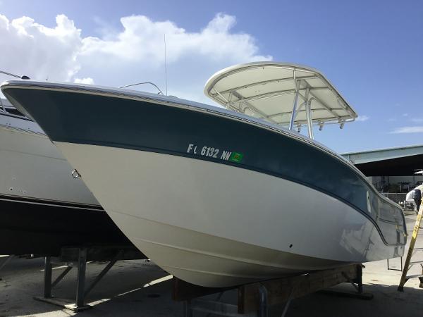 Sea Fox 256 Center Console