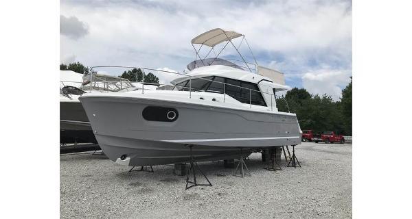 Beneteau America Swift Trawler 30