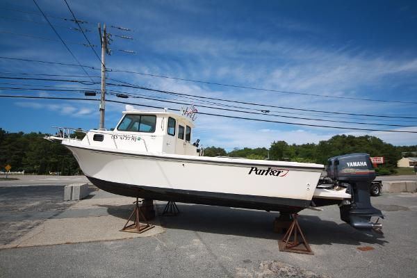 Parker 2520 Deep Vee Sport Cabin Port