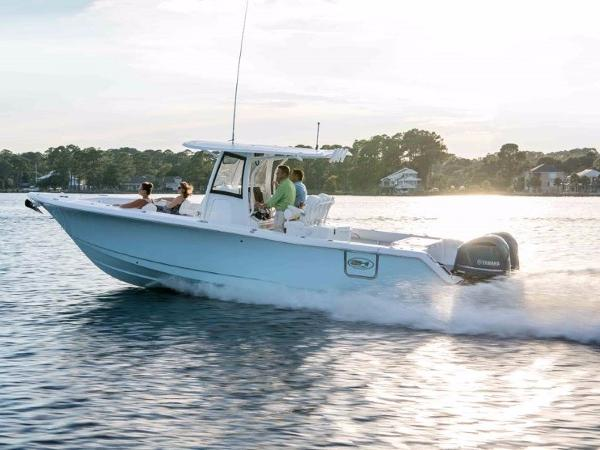Sea Hunt Gamefish 30 with Forward Seat