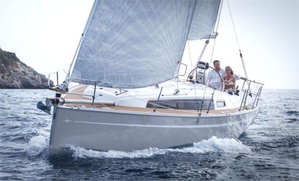 Bavaria Cruiser 33 Bavaria Cruiser 33