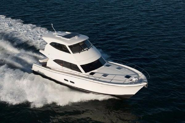 Maritimo M54 Starboard Bow