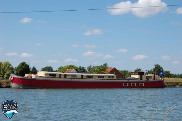 Houseboat 38m Houseboat 38m