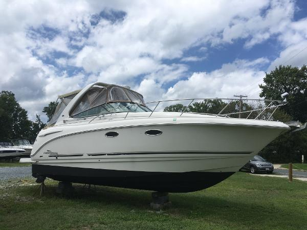 Chaparral 310 Signature Starboard Side View