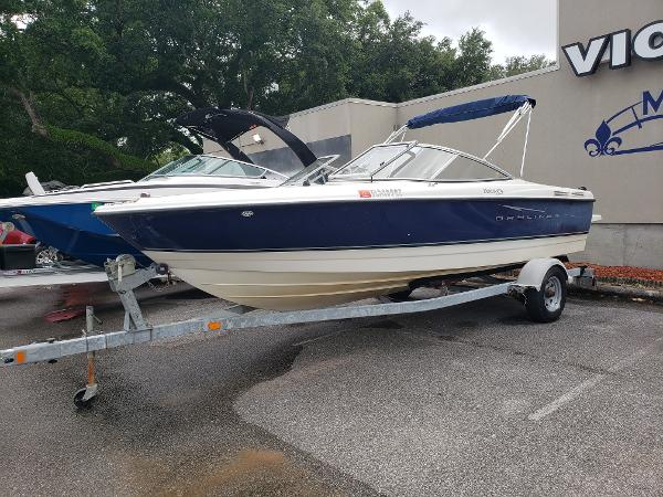 Bayliner 215 Discovery
