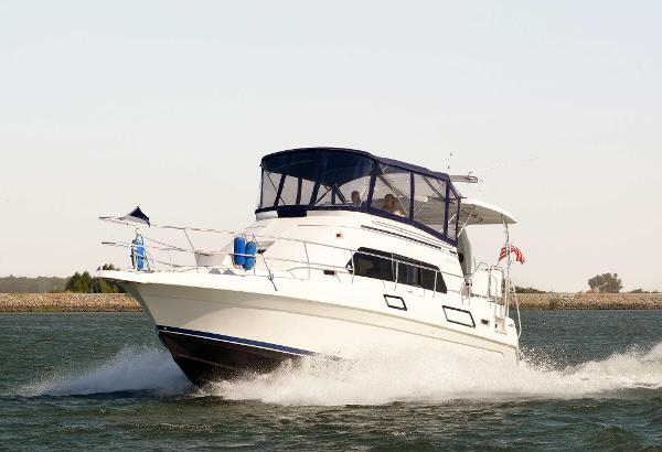 Mainship 37 Motor Yacht Profile
