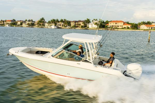 Boston Whaler 240 Vantage Manufacturer Provided Image