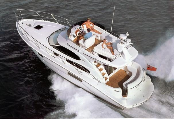 Sealine F37 Manufacturer Provided Image: F37 Flybridge