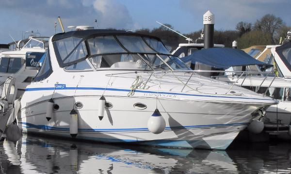 Chris-Craft Crowne 32 Chris Craft Crowne 32