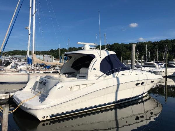 Sea Ray 390 Sundancer 2005 Sea Ray 390 Sundancer - Strbrd Profile