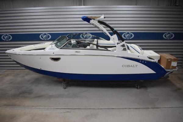 Cobalt Boats R5 Surf