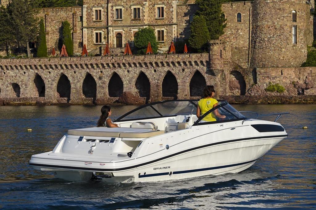 Bayliner VR5 CU  45 MPI  200 PS  Kat Cuddy Cabin geeignet Bodensee