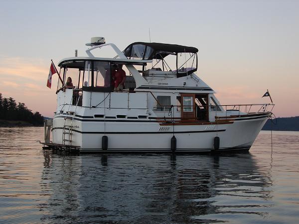 C & L Sea Ranger Trawler Aft Cabin  At Rest