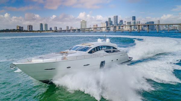 Pershing Motor Yacht