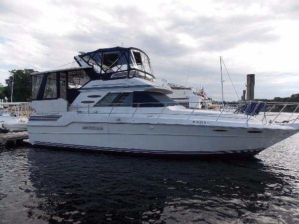 Sea Ray Aft Cabin Motor Yacht